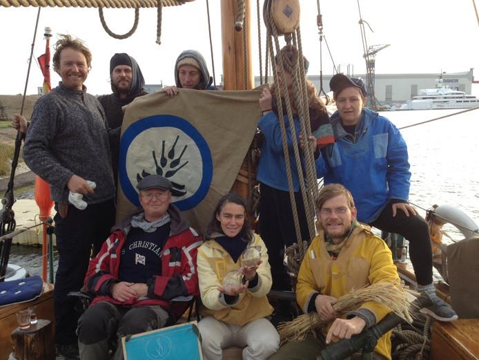 De bemanning van het actieschip Christiania.