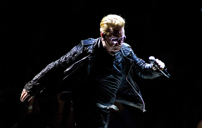 u2 komt weer naar amsterdam show. Black Bedroom Furniture Sets. Home Design Ideas