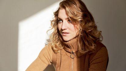 """""""Het doet deugd soms om even niet mezelf te zijn"""", actrice Charlotte De Bruyne uit 'De twaalf' nu in NINA"""