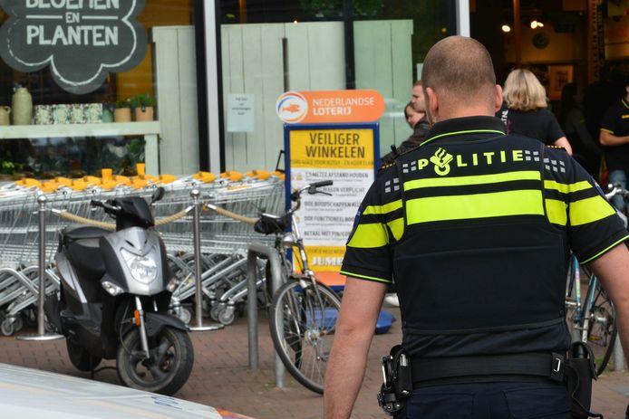 Winkeldiefstal bij Jumbo aan het Dr.Struyckenplein in Breda.