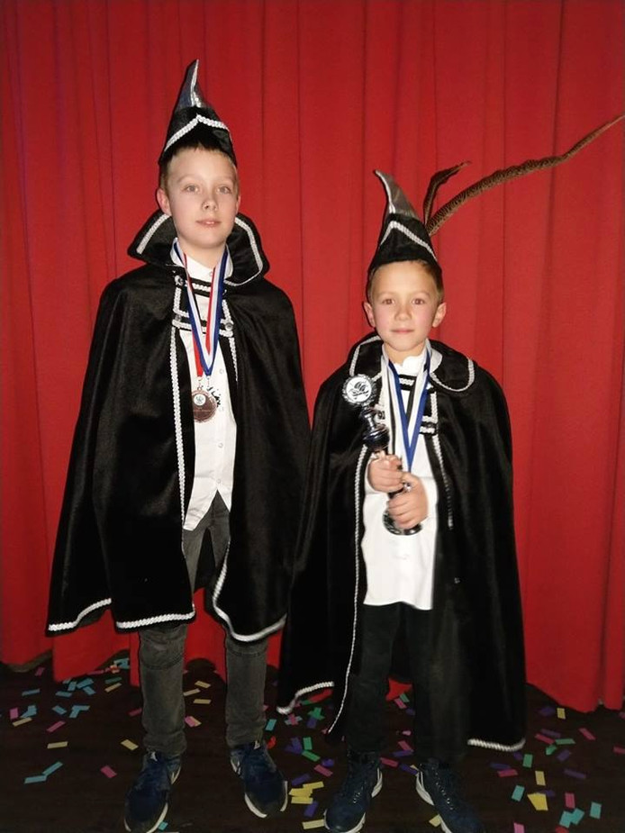 Prins Devyn de Eerste en zijn adjudant Kevin zijn de nieuwe hoogheden van kindercarnavalsvereniging  De Kruud'n Stampers uit de Kruidenwijk.