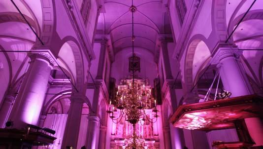 De Westerkerk in Amsterdam werd in 2010 roze verlicht in verband met het Pink Ribbon Gala dat in de kerk werd gehouden. Het gala vormde de start van de borstkankermaand.