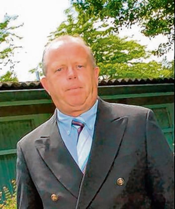 Wubbo Petersen in 2010 op het terrein van landgoed Vrederust in Halsteren waar GGZ WNB gevestigd is.