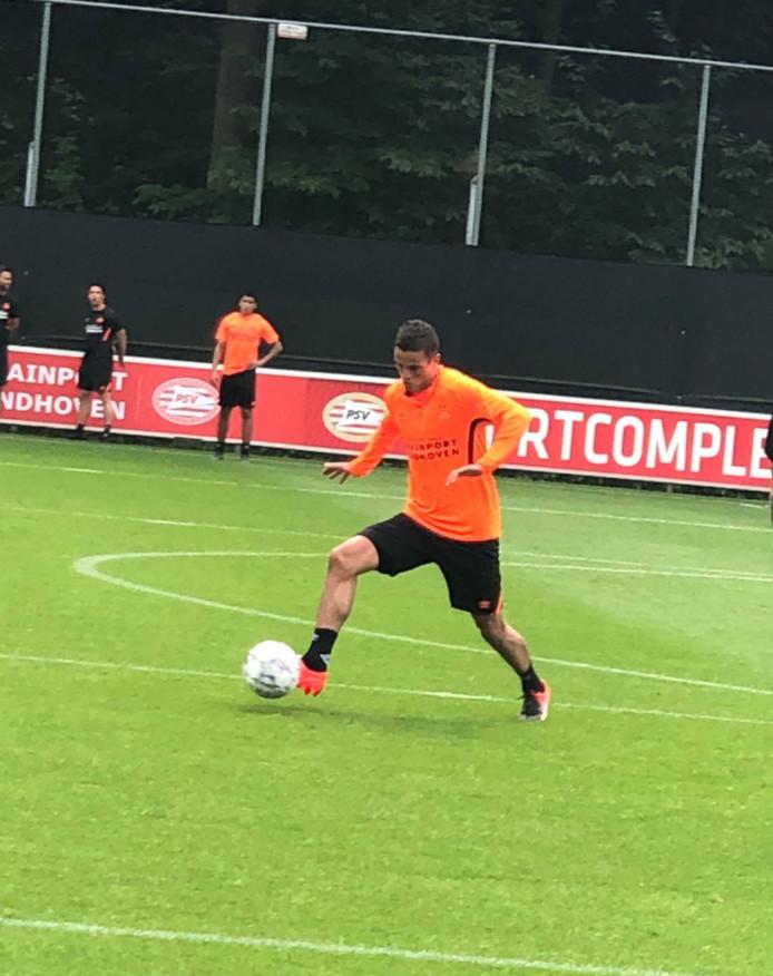 Ibrahim Afellay is terug op het trainingsveld bij PSV 1.