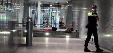 Dakloze die reiziger bijna doodstak op station Breda: '20 jaar met zenders in je kop, dan word je boos'