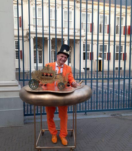 Johan Vlemmix dolenthousiast na nieuws over komst Oranjes naar Eindhoven: 'Hopelijk komen ze langs in mijn paleis'