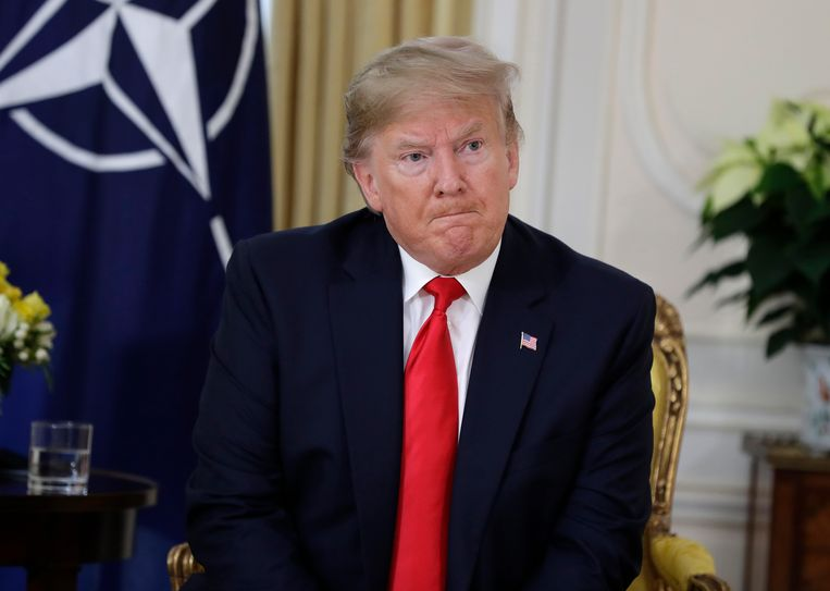 President Trump tijdens een ontmoeting met Navo-baas Stoltenberg.  Beeld AP