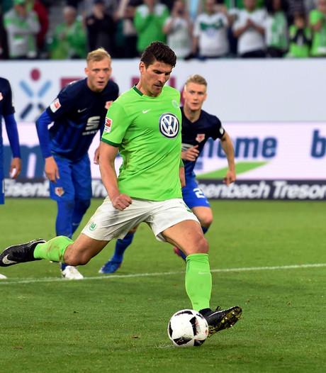 Andries Jonker zet eerste stap naar behoud met Wolfsburg