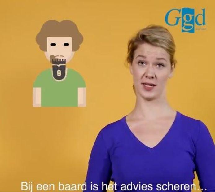 GGD Zeeland adviseert mannen zich te scheren, zodat het mondkapje goed aansluit. Een stoppelbaard mag wel.