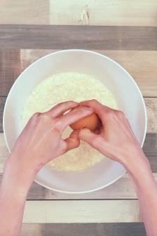 Zo voorkom je een kliederboel bij het mixen van je taart