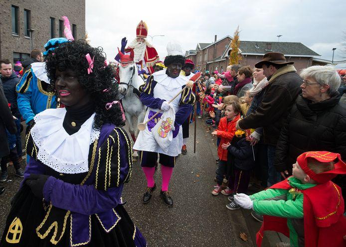 Zwarte pieten tijdens intocht in Winterswijk in 2017.
