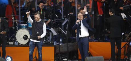 VIDEO: Artiesten genieten volop van Koningsdag in Tilburg