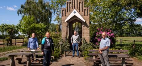 Bij het kapelletje begon het een halve eeuw geleden voor wielervereniging Sporting Oekel