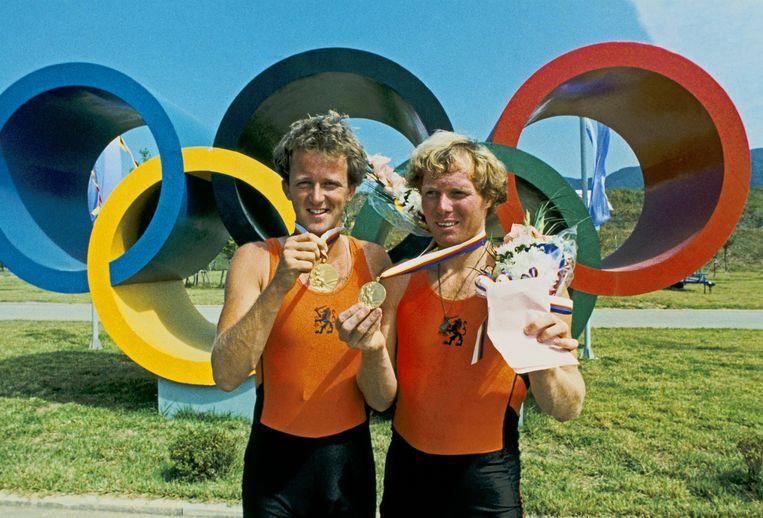 Ronald Florijn (r) met Rienks met het goud in 1988. Beeld ANP