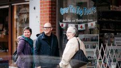 """VIDEO: """"Alleen goedkope moppen voor jullie"""" - Philippe Geubels doorprikt 'Taboe' over  mensen in armoede"""