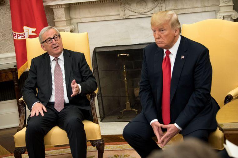 Voorzitter van de Europese Commissie Jean-Claude Juncker op bezoek bij de Amerikaanse president Trump in het Witte Huis.  Beeld null