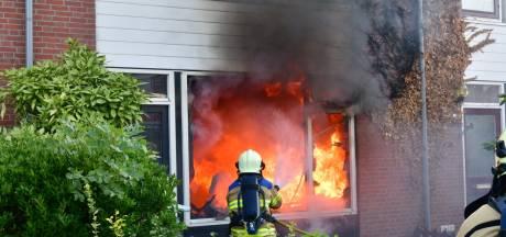 Rijtjeshuis zwaar beschadigd door uitslaande brand in Duiven