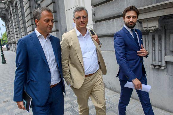 De drie 'koningen' die midden juni de formatie naar zich toe trokken: Egbert Lachaert (Open Vld),  Joachim Coens (CD&V), en Georges-Louis Bouchez (MR).