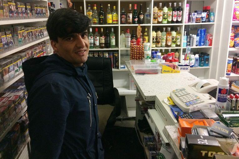 Winkeluitbater Hamid Tajrai vluchtte weg van de overvaller toen die een mes tevoorschijn haalde.