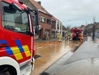 """Brand richtte zware schade aan in huis van alleenstaande mama: """"Ons huis was net helemaal opgeknapt"""""""