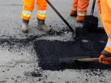 Door droogte verzakte wegen in Lelystad worden deze week aangepakt