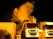 Vrachtwagen met bouwafval vliegt in brand in Lichtenvoorde