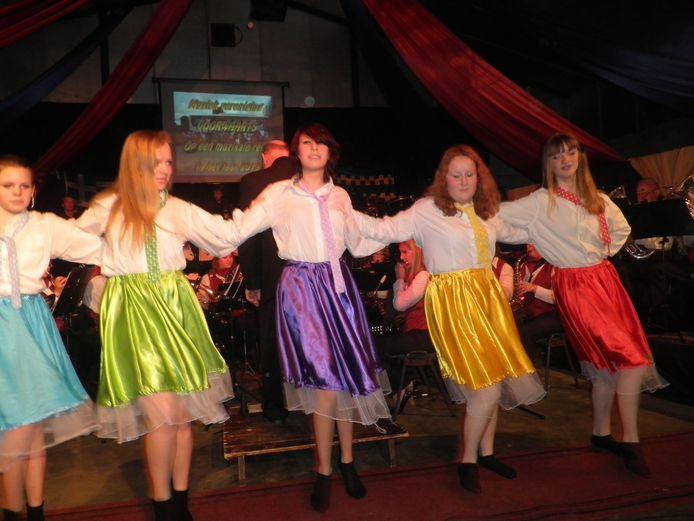 Muziekvereniging Voorwaarts Rumpt tijdens een uitvoering in Gellicum. De foto is voor de coronacrisis gemaakt.
