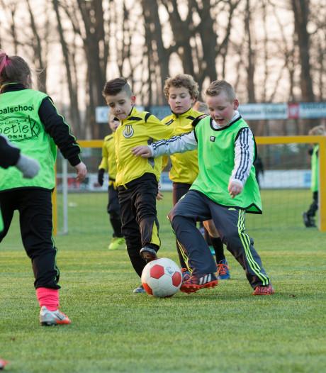Sportvelden nog lang niet vrij van mogelijk kankerverwekkende bestrijdingsmiddelen