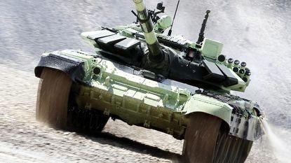 Rusland houdt militaire spelen in Moskou: piloot sterft in helikoptercrash
