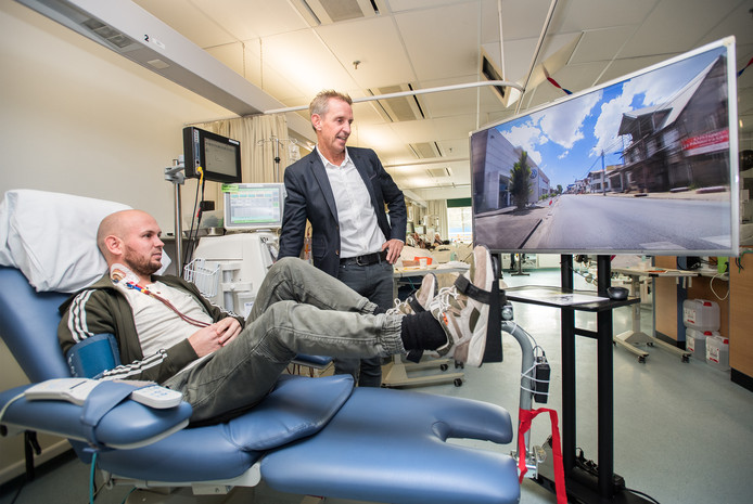 Oud-wielrenner Steven Rooks was aanwezig bij de Elfstedentocht op de afdeling nierdialyse  in ziekenhuis Rijnstate Arnhem.
