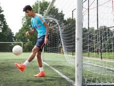 Malik uit Rheden voetbalt ondanks beperking in Oranje