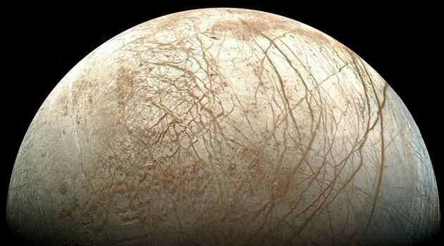 Satellietbeeld van Jupitermaan Europa.