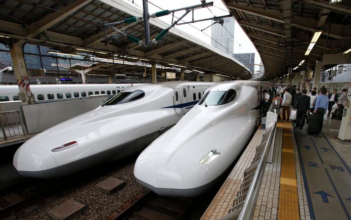 Japanse hogesnelheidstreinen, hier op het station van Tokio.