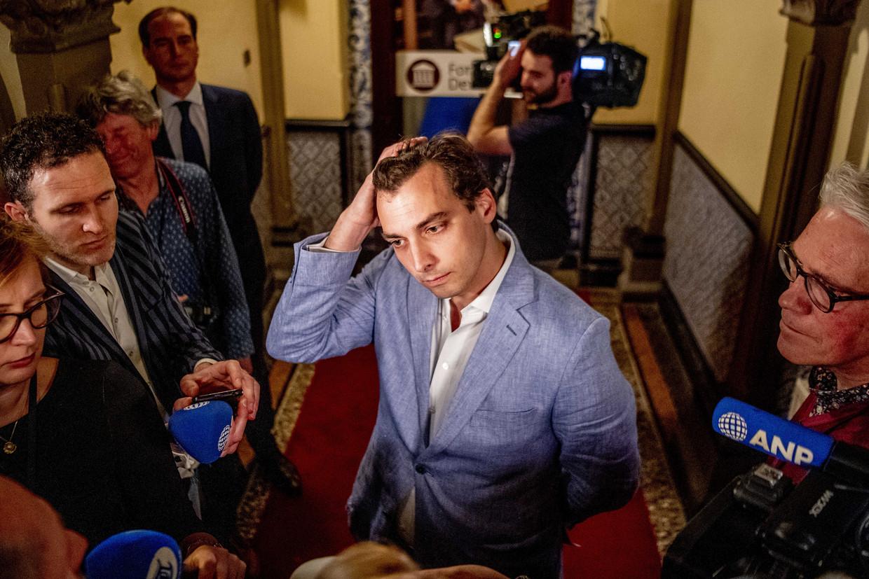 Thierry Baudet praat met de pers na de Provinciale Statenverkiezingen.  Beeld null