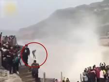 Man stort van één na hoogste waterval van China