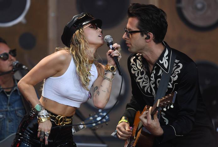 Mark Ronson en Miley Cyrus.