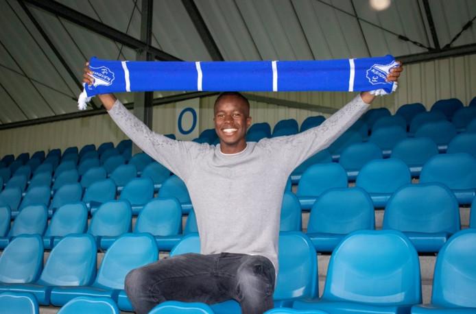 Marcelo Lopes tekent een contract voor één jaar bij FC Eindhoven.