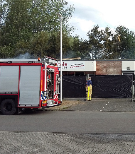 Brand Deventer na uren blussen meester
