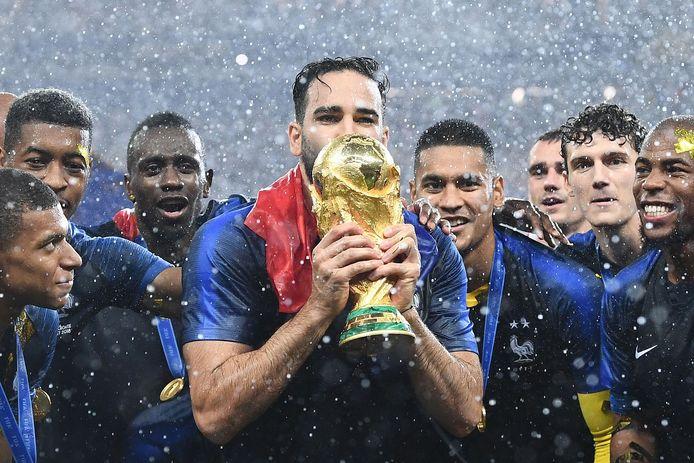 Adil Rami is wereldkampioen met Frankrijk.