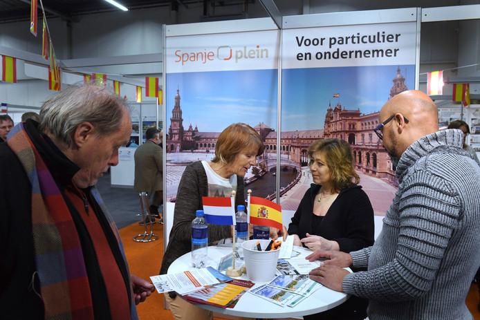 Marco en Marjanne Nocento (rechts) overwegen in Spanje een nieuw bestaan op te gaan bouwen.