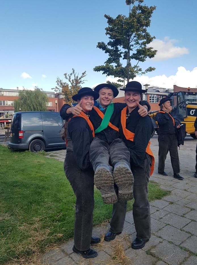 Gijs van de Broeke is de winnaar van het ringrijden in Zevenhuizen