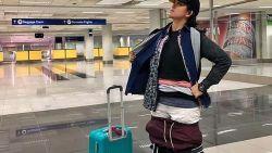 Filipijnse wurmt zich in 2,5 kilo kleren om extra kosten op bagage te besparen