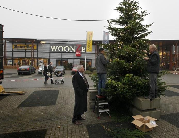 Kerst Valt Voor Sinterklaas Op Woonboulevard Apeldoorn Destentor Nl