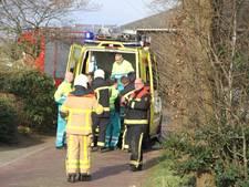 Twee gewonden na openen verkeerde deur in Putten