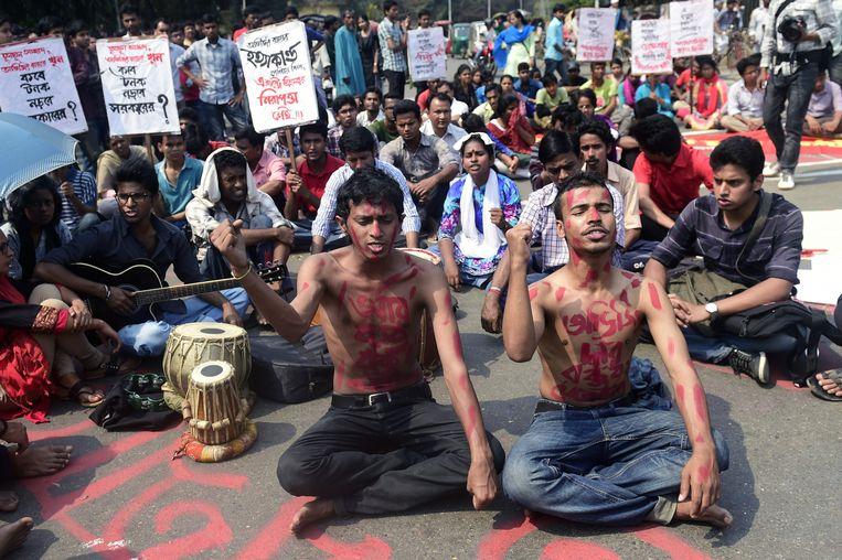 Straatprotesten in Bangladesh na de dood van Roy. Beeld AFP