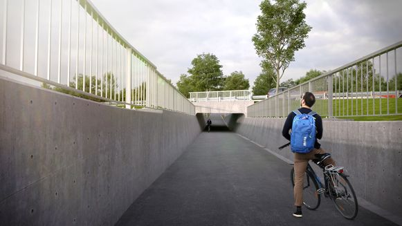 Via tunnels kunnen zwakke weggebruikers de N42 dwarsen.