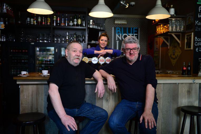 Voormalig cafébaas Flor Dewit en Belpop-kenner Jan Delvaux in Den Delper.