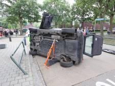 Bestuurder rijdt tegen hek in Aalst, slachtoffer gewond