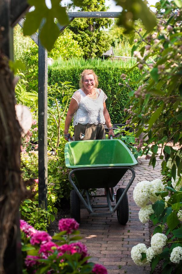 Lydia Amsterdam coördineert het onderhoud van het hele Vlijpark.