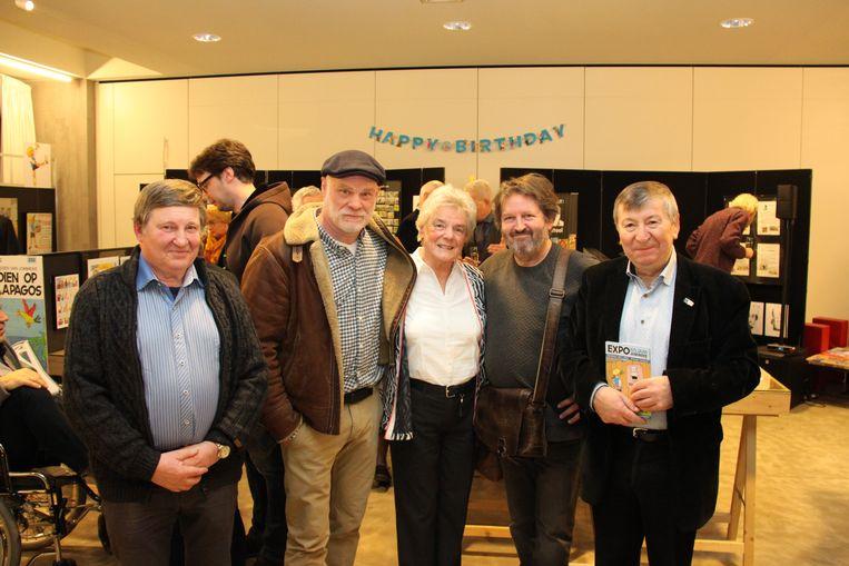 Bij de opening van de expo '65 jaar Jommeke': de echtgenote van Jef Nys, geflankeerd door Philippe Delzenne en Gerd Van Loock die de huidige Jommeke-albums maken, samen met burgemeester Luc De Ryck en Spirit-voorzitter Raoul De Graeve.